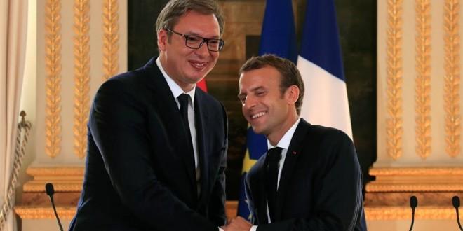Aleksandar-Vucic-Emmanuel-Macron